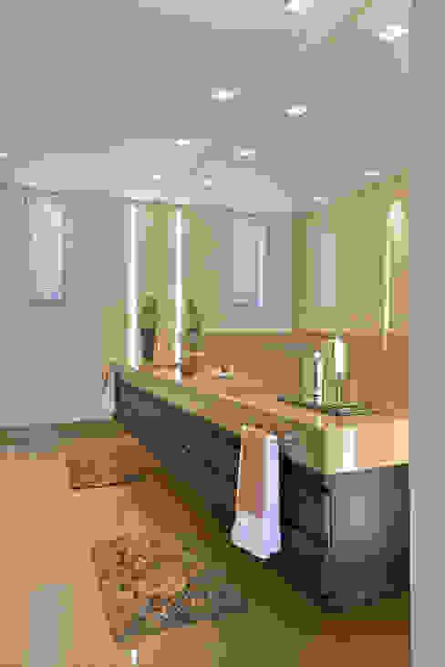 Modern Banyo Beth Marquez Interiores Modern