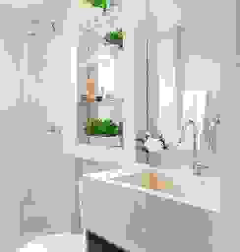 Santos | Decorados Banheiros modernos por SESSO & DALANEZI Moderno
