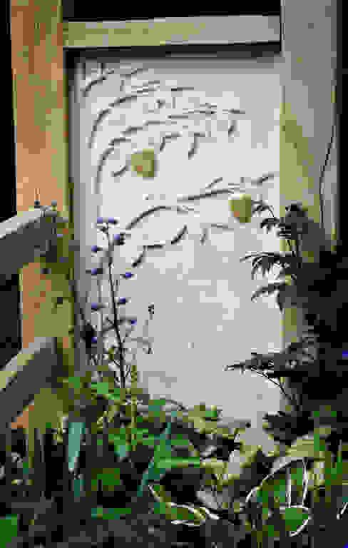 Hand carved Portland stone panel Martin Cook Studio Jardin classique