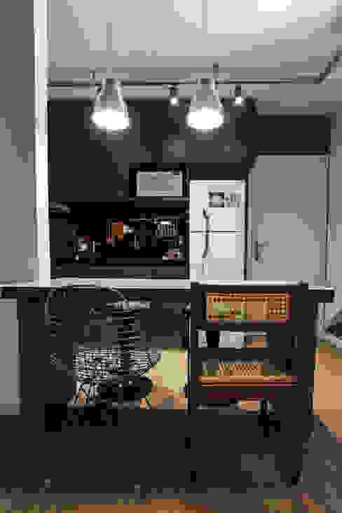 Apartamento Alto do Ipiranga: Cozinhas  por SP Estudio