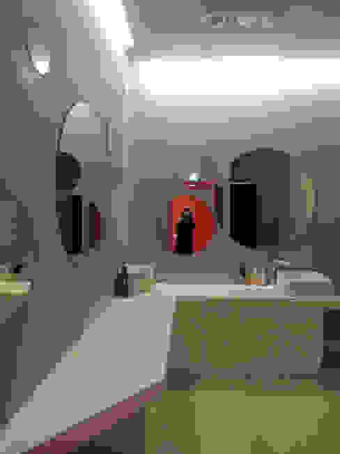 House in House _필라테스 스튜디오: 지오아키텍처의  욕실,모던