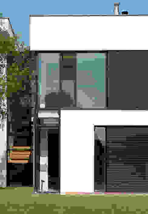 Dom175 : styl , w kategorii Domy zaprojektowany przez Jednacz Architekci,Minimalistyczny