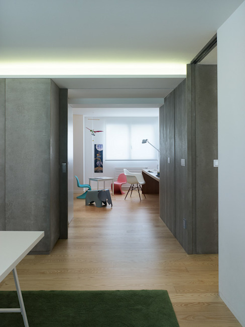 Modern nursery/kids room by Castroferro Arquitectos Modern