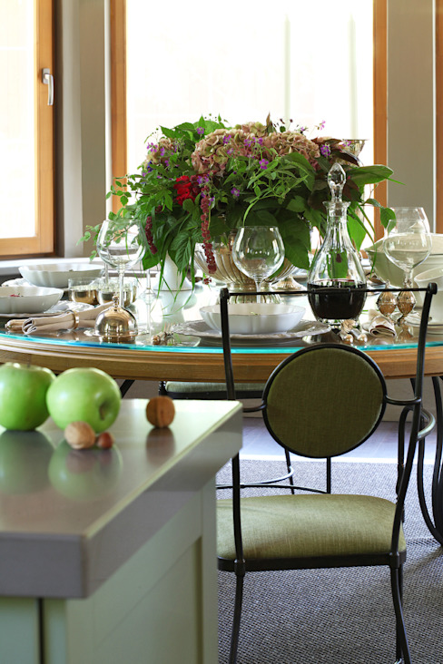 Cozinhas modernas por Дизайн бюро Татьяны Алениной Moderno