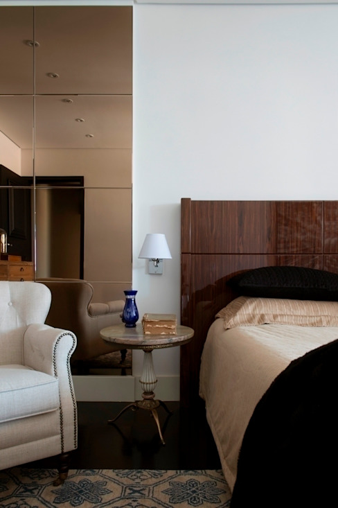 Maurício Karam Arquitetura BedroomBeds & headboards