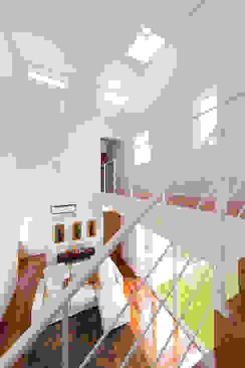 现代客厅設計點子、靈感 & 圖片 根據 吉田裕一建築設計事務所 現代風