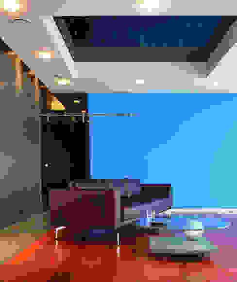livingroom Ruang Keluarga Modern Oleh (DZ)M Интеллектуальный Дизайн Modern