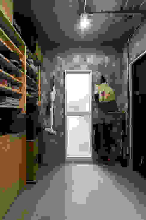 築地・ROOM・H(TSUKIJI・ROOM・H) モダンスタイルの お風呂 の 吉田裕一建築設計事務所 モダン