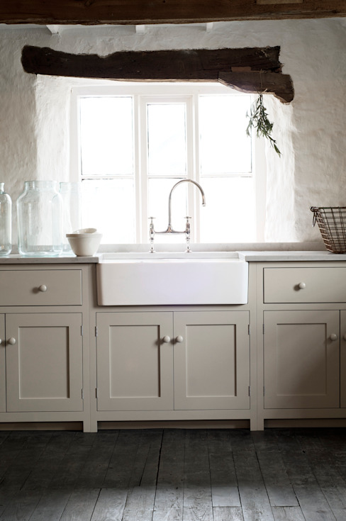 The Cotes Mill Shaker Kitchen by deVOL Kitchens Rustic