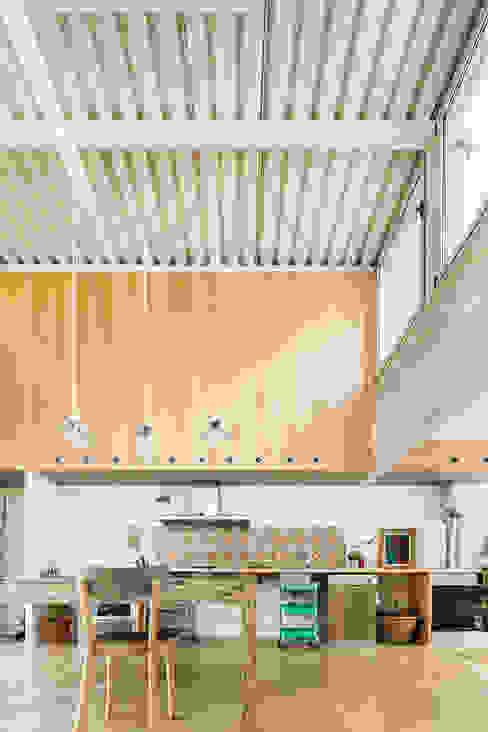 Casa Migdia Sau Taller d'Arquitectura Cocinas de estilo minimalista