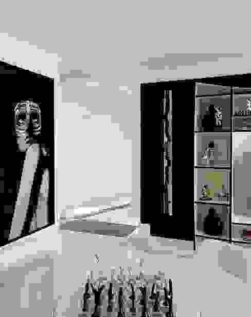 Modern dining room by STUDIO CAMILA VALENTINI Modern