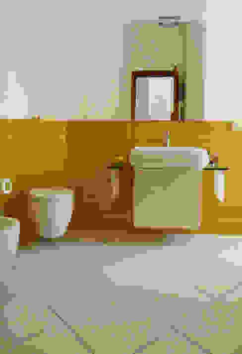 Bathroom by Interni d' Architettura, Modern