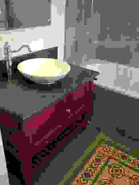 Salle de bain et carreaux de ciments Salle de bain classique par FLEURY ARCHITECTE Classique
