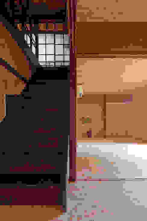 Ephemeral House: NAADが手掛けたリビングです。,和風