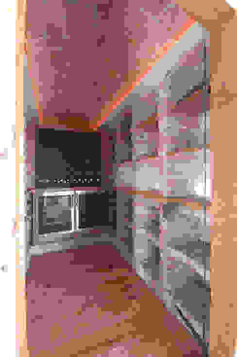 """Wein""""keller"""" in einem Penthouse Jahn Gewölbebau GmbH Moderne Weinkeller"""
