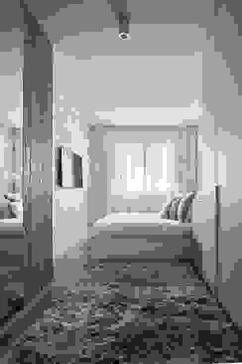 Puertas de armario, cabecero de cama y puertas de cajón de madera antigua de Paletto's Furnature Rústico