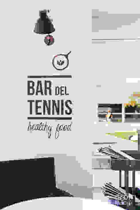 Bar del Tennis de Vic Bares y clubs de estilo escandinavo de Dröm Living Escandinavo