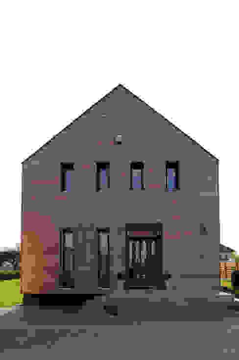 Maisons modernes par APLUS Studio Architektury Maciej Skaza Moderne