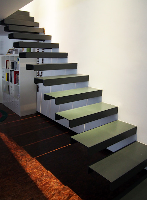 Corridor, hallway & stairs by homify,