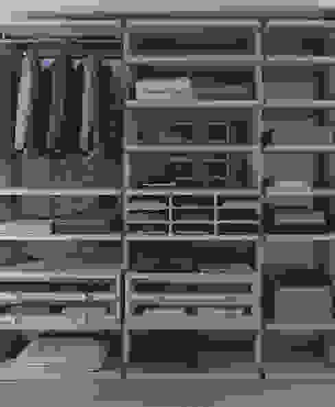 por Lamco Design LTD, Moderno