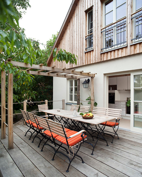Terrasse WOF-Planungsgemeinschaft Balkon, Veranda & Terrasse im Landhausstil