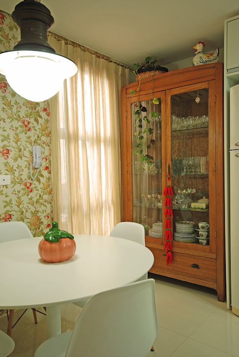 Casa CR Cozinhas clássicas por Neoarch Clássico