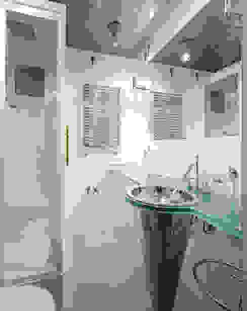 Балтийские дюны: Ванные комнаты в . Автор – Studio B&L ,