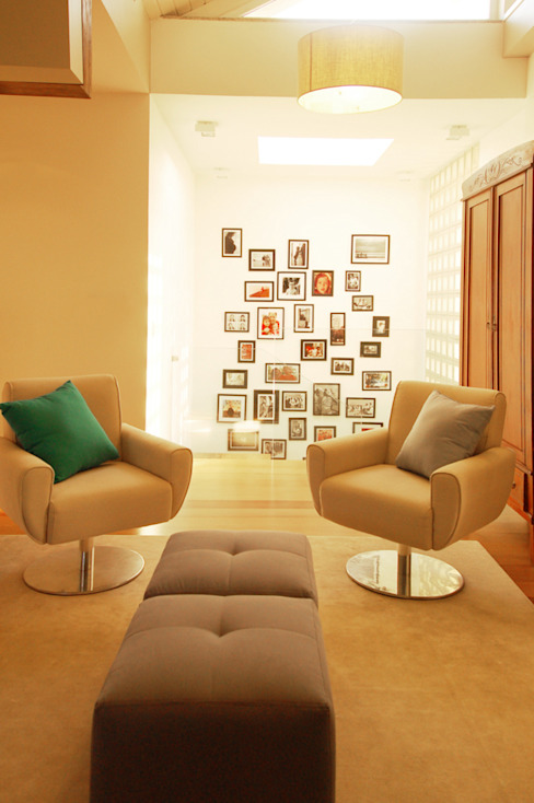 Living room by Sandro Clemes, Modern