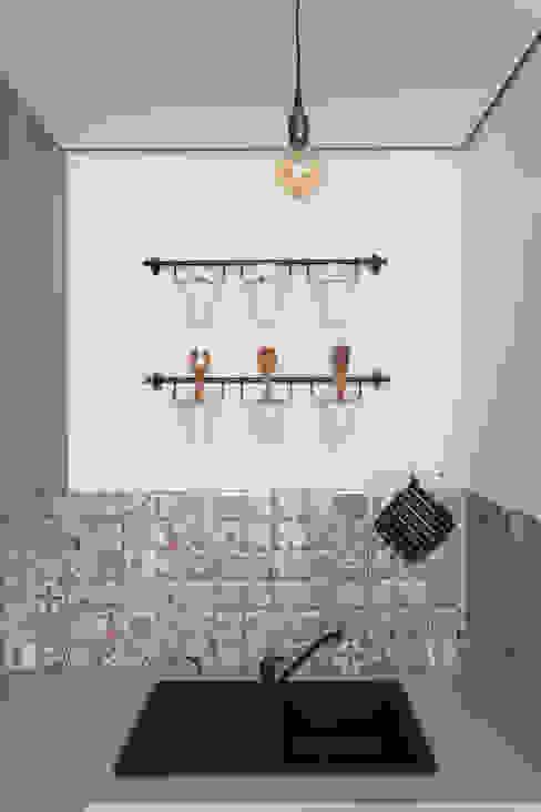 Scandinavian style kitchen by SAZONOVA group Scandinavian