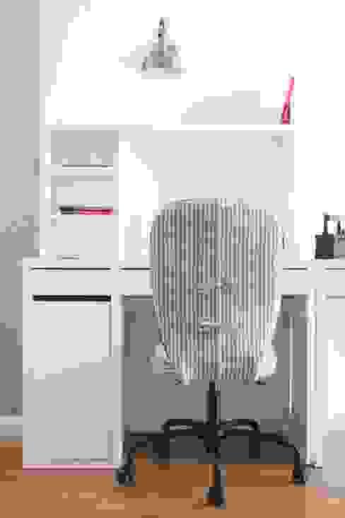 Scandinavian style study/office by SAZONOVA group Scandinavian