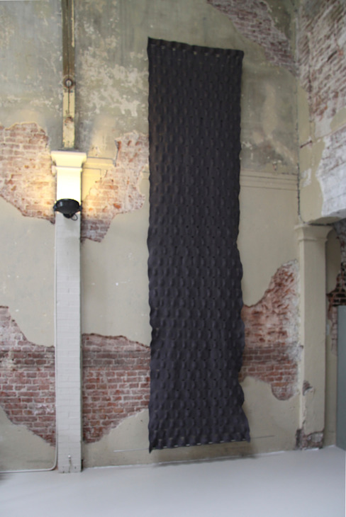 Wall tapestry to improve the acoustics: modern  door Studio Petra Vonk, Modern