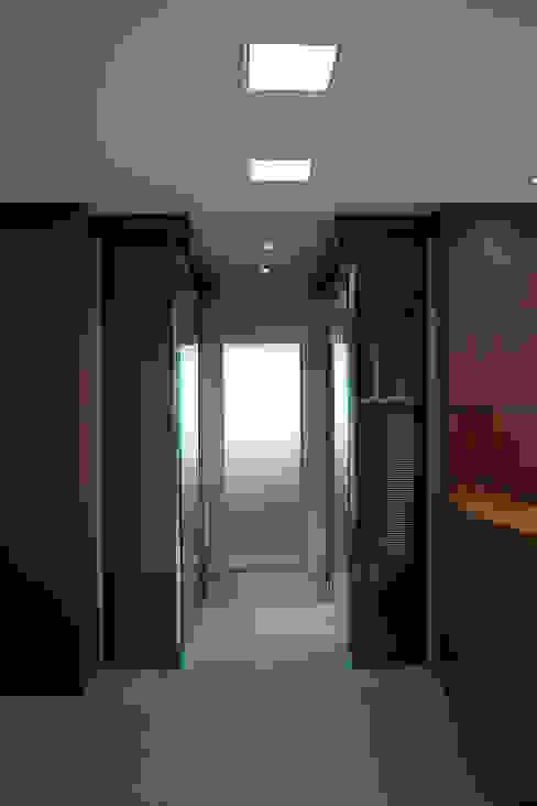 Escritório de Advocacia - Sobriedade, Requinte e Praticidade Carolina Burin & Arquitetos Associados Espaços comerciais modernos