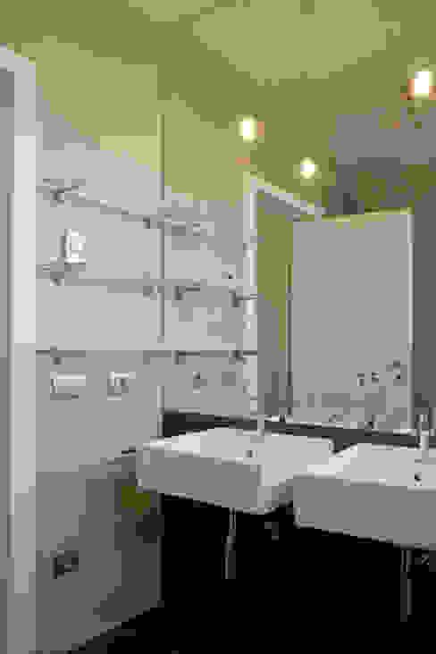 bagno Bagno moderno di Gaia Brunello | in-photo Moderno
