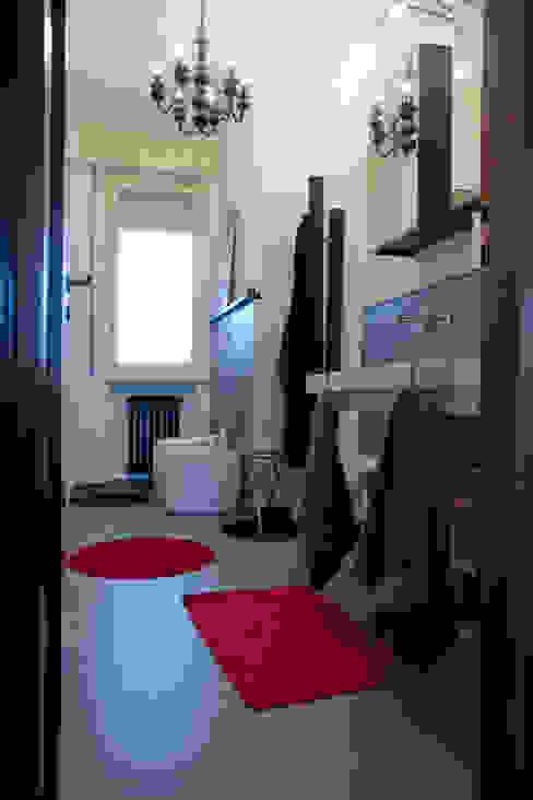Casa B/S Bagno minimalista di Lorenzo Rossi | Architetto Minimalista