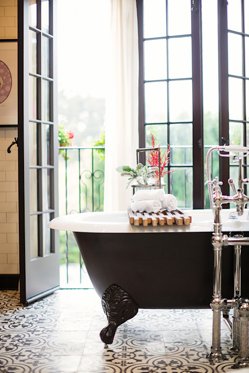 Drummonds Case Study: Loz Feliz Retreat, California Eclectic style bathroom by Drummonds Bathrooms Eclectic
