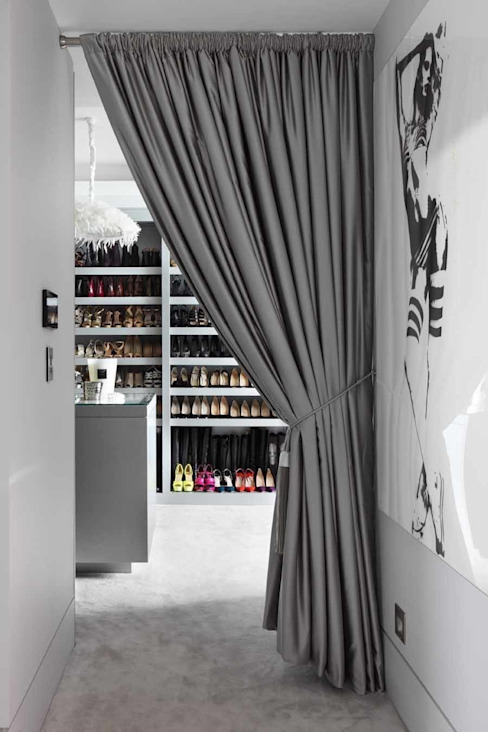 DRESSING ROOM Closets por Iggi Interior Design Moderno