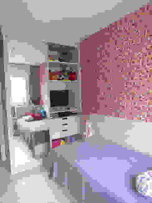Dormitório menina Quarto infantil eclético por Arketing Identidade e Ambiente Eclético