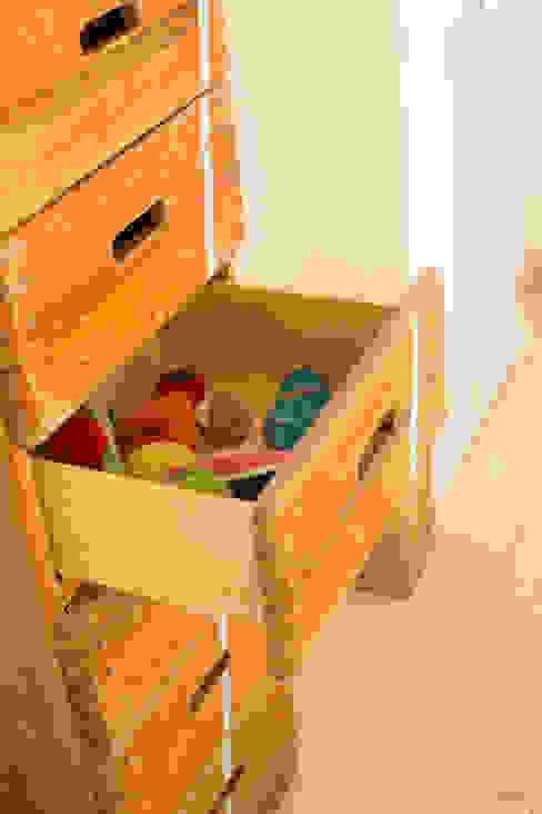 Turnmöbel von Stubenzier.de Stubenzier.de KinderzimmerKleiderschränke und Kommoden