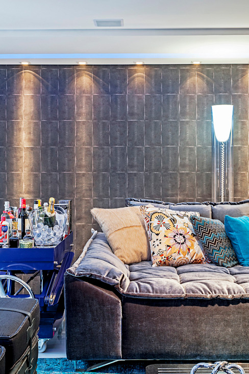 Apartamento masculino em Curitiba Salas de estar modernas por Evviva Bertolini Moderno