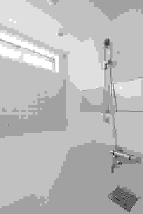 株式会社 建築集団フリー 上村健太郎 Modern bathroom