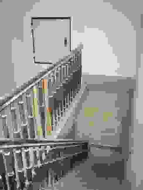 Aufzug DG vor Umbau & Sanierung von Atelier von Wecus