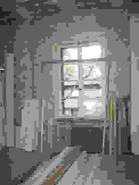 Salon vor der Restaurierung von Atelier von Wecus