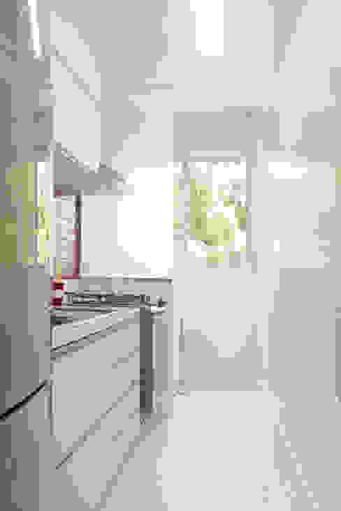 Cozinha homify Cozinhas minimalistas Branco