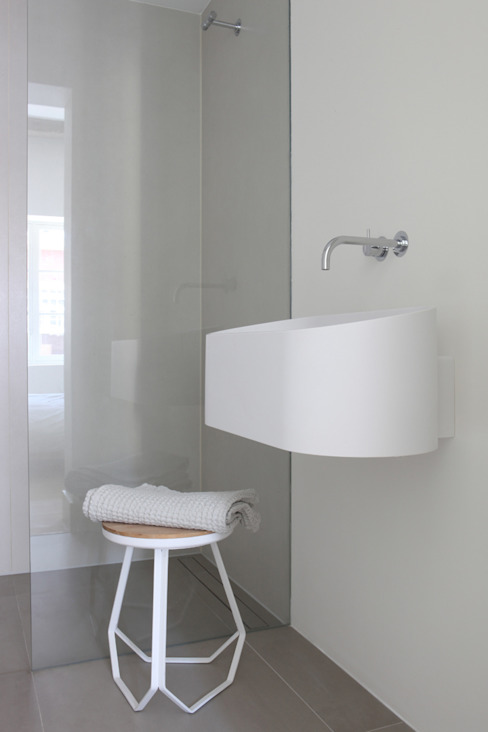 Bathroom by Studio Doccia, Minimalist