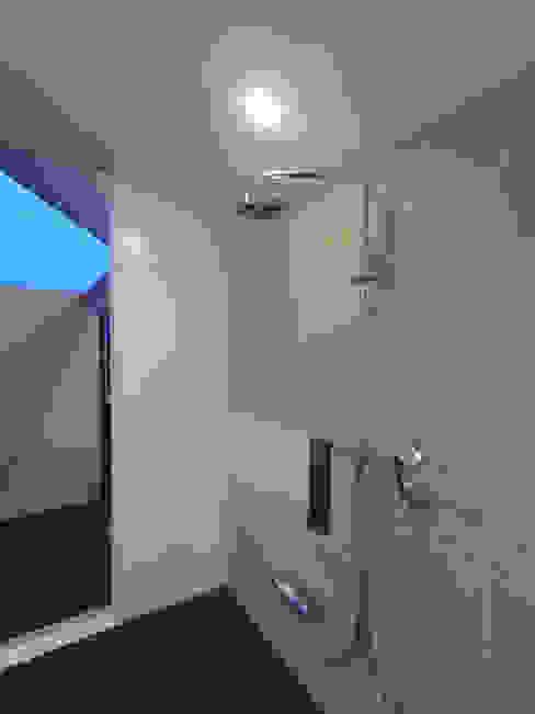 HOUSE T・N: nagena が手掛けた浴室です。,オリジナル