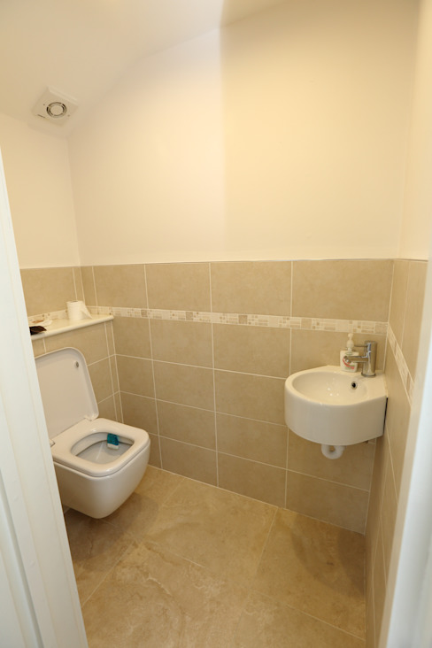Single Storey Extension and Loft Conversion, Lance Rd Modern bathroom by London Building Renovation Modern
