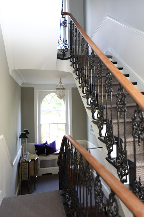 Bellevue, Harrow on-the-Hill Classic style corridor, hallway and stairs by London Building Renovation Classic