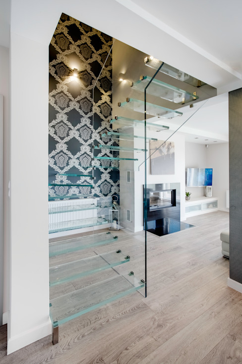 S Z K Ł O we wnętrzu Minimalistyczny korytarz, przedpokój i schody od DK architektura wnętrz Minimalistyczny
