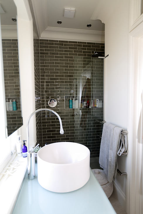 Bellevue, Harrow on-the-Hill Classic style bathroom by London Building Renovation Classic