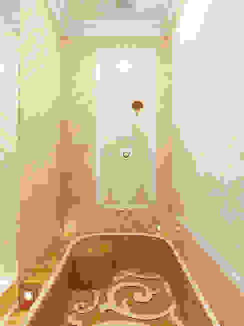 Eclectic style bathroom by Дизайн студия Александра Скирды ВЕРСАЛЬПРОЕКТ Eclectic